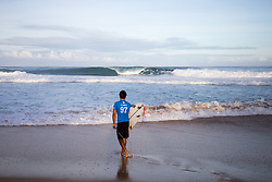 December 11, 2017 - Haleiwa, Hawaii, U.S. - Jeremy Flores of France ready for round one heat 1 of the 2017 WSL Billabong Pipe Masters at Pipeline, Oahu, Hawaii, USA..Billabong Pipe Masters 2017. (WSL via ZUMA Wire/ZUMAPRESS.com)