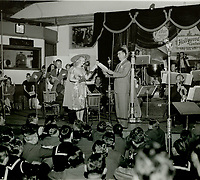 1944 Marie Wilson & Ken Murray at the Hollywood Canteen
