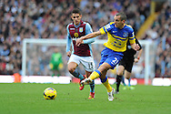 Everton's Leon Osman passes the ball. Barclays Premier League, Aston Villa v Everton at Villa Park in Aston, Birmingham on Saturday 26th Oct 2013. pic by Andrew Orchard, Andrew Orchard sports photography,