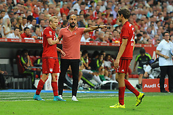 05.08.2015, Allianz Arena, Muenchen, GER, AUDI CUP, FC Bayern Muenchen vs Real Madrid, im Bild vl. Sebastian Rode (FC Bayern Muenchen), Trainer Pep Guardiola (FC Bayern Muenchen) und Thomas Mueller (FC Bayern Muenchen) // during the 2015 Audi Cup Match between FC Bayern Munich and Real Madrid at the Allianz Arena in Muenchen, Germany on 2015/08/05. EXPA Pictures © 2015, PhotoCredit: EXPA/ Eibner-Pressefoto/ Stuetzle<br /> <br /> *****ATTENTION - OUT of GER*****