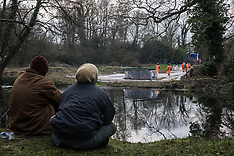 2020-02-05 Environmental activists monitor HS2 works at Denham Ford