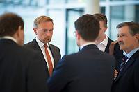 DEU, Deutschland, Germany, Berlin, 14.06.2018: FDP-Parteichef Christian Lindner mit FDP-Schatzmeister Dr. Hermann Otto Solms (R) nach einer Fraktionssitzung im Deutschen Bundestag.