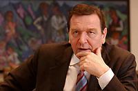 09 JAN 2002, BERLIN/GERMANY:<br /> Gerhard Schroeder, SPD, Bundeskanzler, waehrend einem Interiew, in seinem Buero, Bundeskanzleramt<br /> Gerhard Schroeder, SPD, Federal Chancellor of Germany, during an interview, in his office<br /> IMAGE: 20020109-02-020<br /> KEYWORDS: Gerhard Schröder