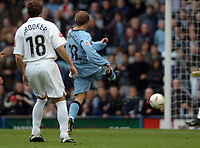 Fotball<br /> England 2004/2005<br /> Foto: SBI/Digitalsport<br /> NORWAY ONLY<br /> <br /> 30.10.2004<br /> Coventry City v Reading <br /> Coca Cola Championship<br /> <br /> Andy Morrell scores Cov's second goal.