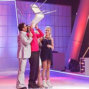 NLD/Hilversum/20130112 - 4e Liveshow Sterren Dansen op het IJs 2013, Mimoun Ouled Radi en schaatspartner Kellyn Koeplinger