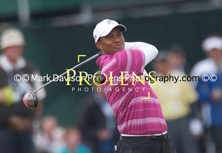THE OPEN CHAMPIONSHIP 2011.<br /> <br /> TIGER WOODS IN ACTION DURING THE OPEN CHAMPIONSHIP 2011.\<br /> <br /> AT THE OLD COURSE ST ANDREWS.<br /> PICTURE MARK DAVISON/PLPA