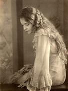 Actress Lillian Gish 1930. Doris Ulma