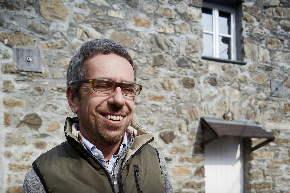 """13 FEB 2010 - La Spezia - Simone Perotti, scrittore, autore di """"Adesso Basta"""", nella sua casa :-: Italian writer and skipper Simone Perotti at home"""