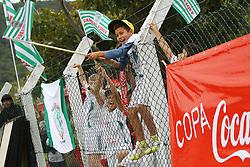 Lance da partida entre Balneário Estreito x Canas F.C. válida pela Copa Coca-Cola 2013 no complexo Esportivo Aldo Silva, em Florianópolis. Foto: Cristiano Estrela/Agência Preview