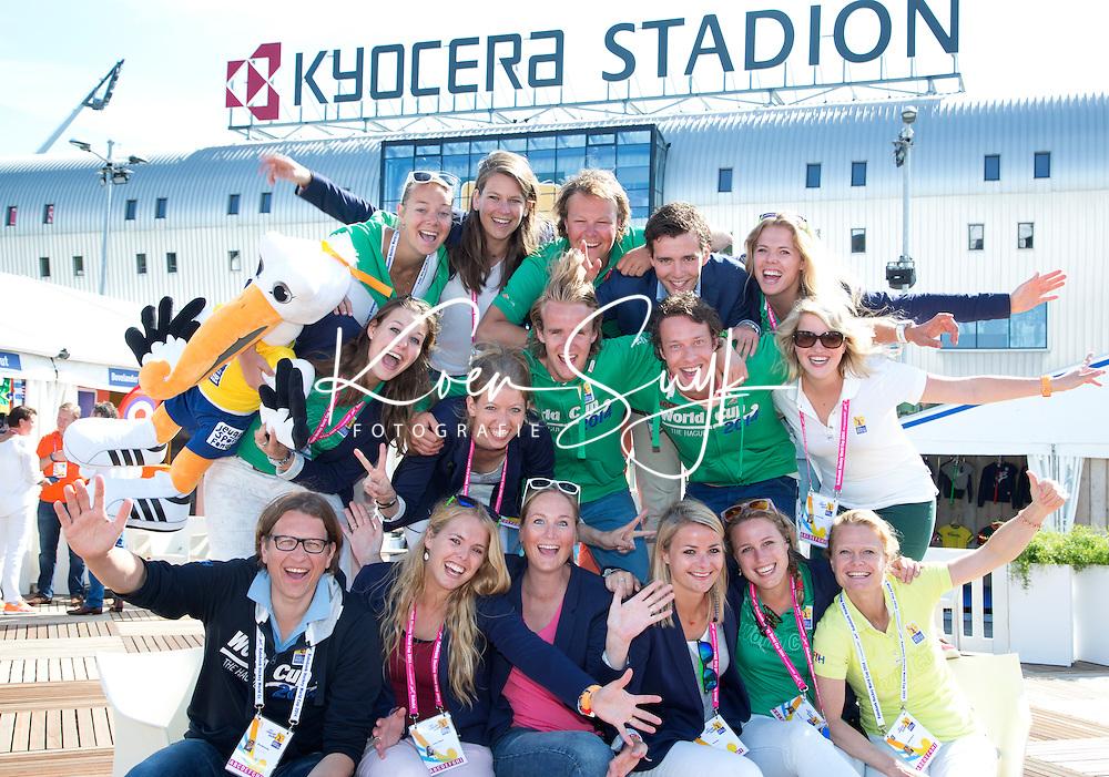 DEN HAAG - Het team van TIG sports tijdens de Rabobank World Cup hockey. FOTO KOEN SUYK