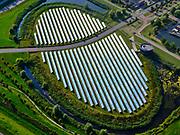 Nederland, Flevoland, Almere, 26-08-2019; Almere, Noorderplassen-West, met Zoneiland Almere. De zonnecollectoren op het eiland verwarmen water wat aan het stadswarmtenet wordt toegevoegd.<br /> Solar panels on Sun island in the new constructed residential district in Almere providing city heating.<br /> luchtfoto (toeslag op standard tarieven);<br /> aerial photo (additional fee required);<br /> copyright foto/photo Siebe Swart