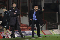 Football - League One - Brentford vs. Oldham Athletic<br /> Brentford manager, Uwe Rosler (right) and Oldham Manager, Paul Dickov (left)