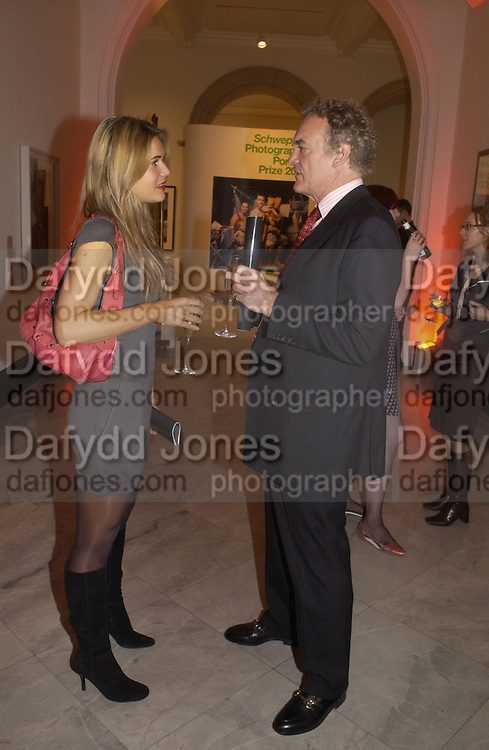 Celia Walden and Compton Miller. U.K. Press Gazette's 40 th birthday. National Portrait Gallery. London.   November 22 November 2005. ONE TIME USE ONLY - DO NOT ARCHIVE  © Copyright Photograph by Dafydd Jones 66 Stockwell Park Rd. London SW9 0DA Tel 020 7733 0108 www.dafjones.com