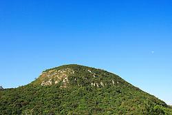 O Itacolomi é a montanha mais conhecida no RS, localizado no distrito do Itacolomy - RS 20 - Parada 85, Beco do Pavão, 260, Gravataí-RS à 45 Km de Porto Alegre. Na direção nordeste situa-se dentro das coordenadas 30º01' e 50º10' a 50º25'w. FOTO: Jefferson Bernardes/Preview.com