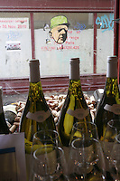 Derniere Goutte wine shop, Paris