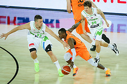 08-09-2015 CRO: FIBA Europe Eurobasket 2015 Slovenie - Nederland, Zagreb<br /> De Nederlandse basketballers hebben de kans om doorgang naar de knockoutfase op het EK basketbal te bereiken laten liggen. In een spannende wedstrijd werd nipt verloren van Slovenië: 81-74 / Charlon Kloof of Netherlands and Alen Omic of Slovenia. Photo by Matic Klansek Velej / RHF