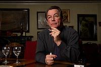 05 JAN 2005, BERLIN/GERMANY:<br /> Franz Muentefering, SPD Partei- und Fraktionsvorsitzender, waehrend einem Interview, Restaurant Tucher<br /> Franz Muentefering, Chairman of the Social Democratic Party Germany, during an interview<br /> IMAGE: 20050105-02-026<br /> KEYWORDS: Franz Müntefering, Zigarillo, raucht, rauchen