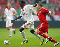 Fotball<br /> Tyskland<br /> 29.10.2011<br /> Foto: Witters/Digitalsport<br /> NORWAY ONLY<br /> <br /> v.l. Wilson Kamavuaka, Bastian Schweinsteiger (Bayern)<br /> Bundesliga, FC Bayern München - 1. FC Nürnberg