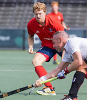 AMSTELVEEN -  Fabian Verzuu (Tilburg)  tijdens de hockey hoofdklasse competitiewedstrijd  heren, Amsterdam-HC Tilburg (3-0).  COPYRIGHT KOEN SUYK