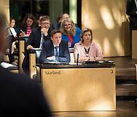 DEU, Deutschland, Germany, Berlin, 17.05.2019: Der saarländische Ministerpräsident Tobias Hans (CDU) und die saarländische  Wirtschaftsministerin Anke Rehlinger (SPD) bei einer Sitzung im Bundesrat.
