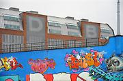 Nederland, Nijmegen, 1-12-2009Het Nijmeegse bouwproject De Dobbelman heeft de Gouden Piramide heeft gewonnen, zo heeft minister Gerda Verburg bekendgemaakt. De Gouden Piramide is de jaarlijkse Rijksprijs voor inspirerend opdrachtgeverschap in de architectuur, stedenbouw, landschapsarchitectuur, infrastructuur en ruimtelijke ordening.Het terrein van de voormalige zeepfabriek Dobbelman in de Nijmeegse wijk Bottendaal heeft in de afgelopen jaren een complete metamorfose ondergaan. In vier jaar tijd is het heringericht tot woonwijk. De wijk kenmerkt zich door verschillende woningtypen, kleine bedrijven en het aanbod van verschillende voorzieningen.Foto: Flip Franssen/Hollandse Hoogte
