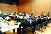 29 SEP 2003, BERLIN/GERMANY:<br /> Uebersicht Sitzungssaal, Sitzung des SPD Parteivorstandes, Willy-Brandt-Haus<br /> IMAGE: 20030929-01-027<br /> KEYWORDS: Übersicht, Saal