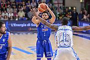 DESCRIZIONE : Beko Legabasket Serie A 2015- 2016 Dinamo Banco di Sardegna Sassari - Enel Brindisi<br /> GIOCATORE : Scottie Reynolds<br /> CATEGORIA : Passaggio<br /> SQUADRA : Enel Brindisi<br /> EVENTO : Beko Legabasket Serie A 2015-2016<br /> GARA : Dinamo Banco di Sardegna Sassari - Enel Brindisi<br /> DATA : 18/10/2015<br /> SPORT : Pallacanestro <br /> AUTORE : Agenzia Ciamillo-Castoria/L.Canu