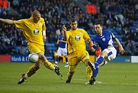 Photo: Steve Bond/Richard Lane Photography. Leicester City v Sheffield Wednesday. Coca Cola Championship. 12/12/2009. Matty Fryatt (L) goes close