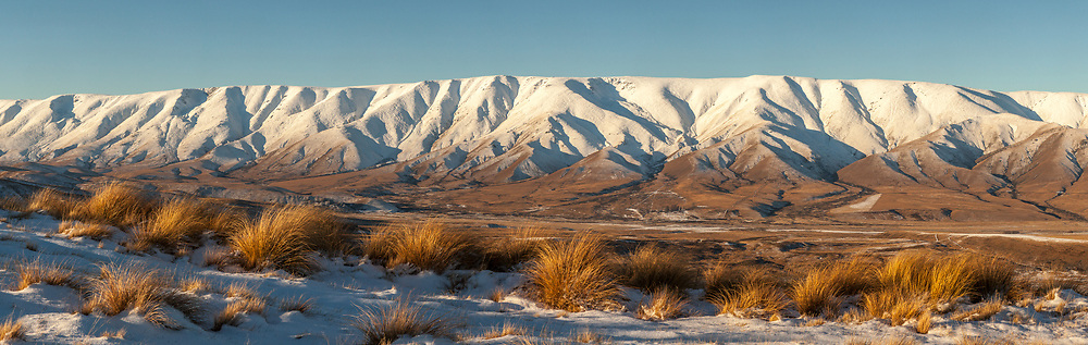 Hawkdun range winter panorama, Maniototo, Central Otago ( wider pano 26,000 x 5700 pixel available upon request)
