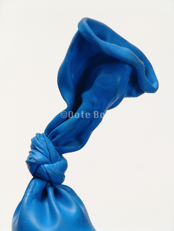 Close up of the knot in a deflating balloon