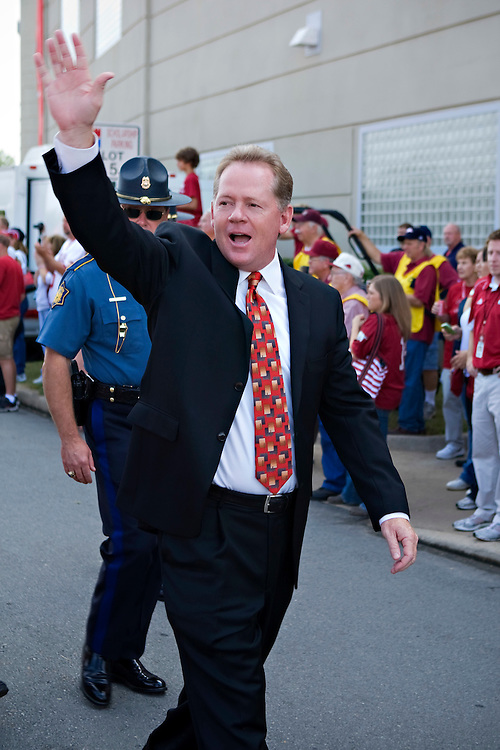 LITTLE ROCK, AR - SEPTEMBER 5:   Head Coach Bobby Petrino of the Arkansas Razorbacks waves to the fans before a game against the Missouri State Bears at War Memorial Stadium on September 5, 2009 in Little Rock, Arkansas.  The Razorbacks defeated the Bears 48-10.  (Photo by Wesley Hitt/Getty Images) *** Local Caption *** Bobby Petrino