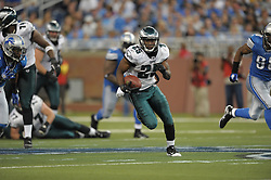 DETROIT - SEPTEMBER 19: Running back LeSean McCoy #25 of the Philadelphia Eagles runs the ball during the game against the Detroit Lions on September 19, 2010 at Ford Field in Detroit, Michigan. (Photo by Drew Hallowell/Getty Images)  *** Local Caption *** LeSean McCoy