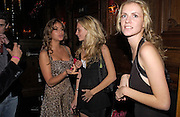 Saskia Boxford, Poppy and Chloe Delavigne. Tatler magazine Little Black Book party, Tramp. Jermyn St. 10 November 2004. ONE TIME USE ONLY - DO NOT ARCHIVE  © Copyright Photograph by Dafydd Jones 66 Stockwell Park Rd. London SW9 0DA Tel 020 7733 0108 www.dafjones.com