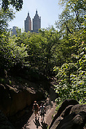 New York. central park. San Remo building with two towers  / New York - Etats-unis  central park. le building San Remo  Manhattan