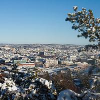 Oversiktsbilde av Kristiansand en vintersdag.