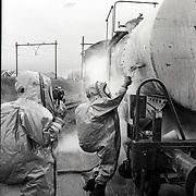 NLD/Utrecht/19890317 - Brandweeroefening NS Utrecht gasongeval en gevaarlijke stoffen