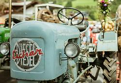 THEMENBILD - ein blauer Oldtimertraktor der Marke Eicher Diesel, aufgenommen am 25. August 2019, Piesendorf, Österreich // a blue vintage tractor of the brand Eicher Diesel on 2019/08/25, Piesendorf, Austria. EXPA Pictures © 2019, PhotoCredit: EXPA/ Stefanie Oberhauser