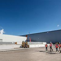 Nederland, Rotterdam, Maasvlakte, 23 september 2016.<br /> Sif Roermond bouwt nieuwe assemblagefabriek op Maasvlakte.<br /> Sif Group is leidend in offshore funderingen voor windturbines en olie- en gasplatformen.<br /> Op de foto: De nieuwe coating hal.<br /> <br /> The Netherlands, Rotterdam, Maasvlakte, September 23 2016<br /> Sif Roermond builds a new assembly plant at Maasvlakte.<br /> Sif Group is leading in offshore foundations for wind turbines and oil & gas platforms. <br /> In the picture: The new coating hall.<br /> <br /> Foto: Jean-Pierre Jans
