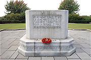 Belgie, Ieper, 4-9-2005Monument voor Canadese militairen die hier sneuvelden tijdens de eerste wereldoorlog, WO-1,de grote oorlog. the great war, die bij Ieper sneuvelden gegraveerd. belgium, WW-1, monument. Ypres, Menin gate De klaproos is symbool voor de gesneuvelde soldaten.Foto: Flip Franssen/Hollandse Hoogte