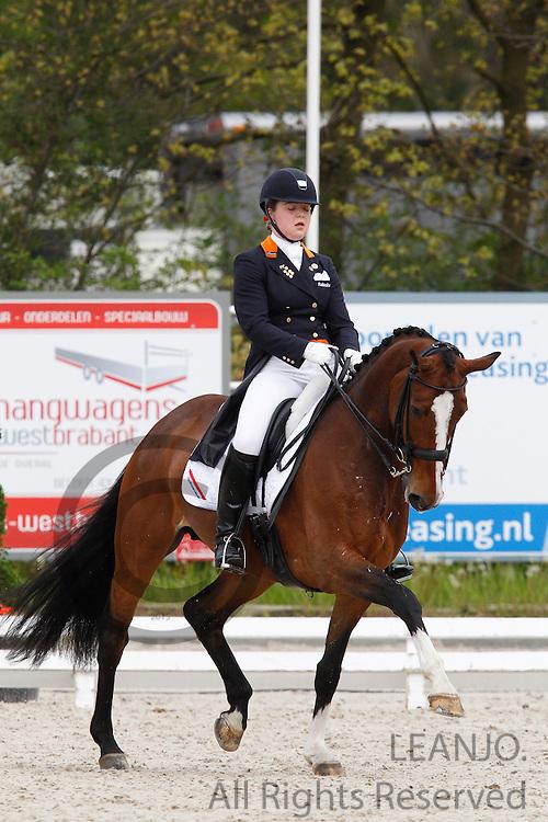 Antoinette te Riele - Ziggy<br /> CDIYJP Roosendaal 2012<br /> © DigiShots
