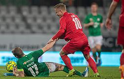 Jeppe Kjær (FC Helsingør) kæmper med Jakob Bonde (Viborg FF) under kampen i 1. Division mellem Viborg FF og FC Helsingør den 30. oktober 2020 på Energi Viborg Arena (Foto: Claus Birch).