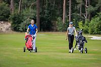 NUNSPEET  -  Danique Stokmans (Oranje) met Eva Nijenhuis (r)  , speler NGF Nationale selectie golf Nationale team,   COPYRIGHT KOEN SUYK
