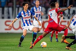 12-05-2018 NED: FC Utrecht - Heerenveen, Utrecht<br /> FC Utrecht win second match play off with 2-1 against Heerenveen and goes to the final play off / (L-R) Yuki Kobayashi #21 of SC Heerenveen, Gyrano Kerk #7 of FC Utrecht