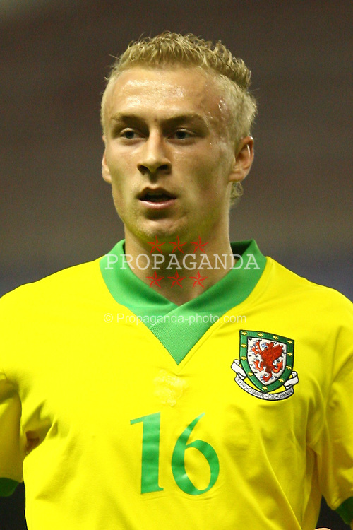 BILBAO, SPAIN - SUNDAY, MAY 21st, 2006: Wales' David Cotterill in action against a Basque Country XI during a friendly match at the Estadio San Mames. (Pic by David Rawcliffe/Propaganda)