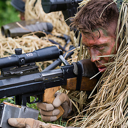 Entraînement des tireurs d'élite de la STELD du 1er Régiment d'Infanterie au camp militaire de Caylus. Tir de jour et de nuit au fusil Hecate II et FRF2, progression de tireurs en ghillie, course à pied et coopération avec des tireurs allemands dans le cadre de la préparation au challenge de tir du CEITO.<br /> Mai 2017 / Caylus (82) / FRANCE<br /> Voir le reportage complet (150 photos) http://sandrachenugodefroy.photoshelter.com/gallery/2017-05-STELD-du-1er-RI-a-Caylus-Complet/G00005sis1Z_BBRQ/C0000yuz5WpdBLSQ