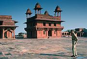 Guard at Fatehpur Sikri 17th Century city capital of Mughal Empire UNESCO WORLD HERITAGE site, Agra district, Uttar Pradesh, India