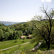 Paesaggio nei pressi della Colma valico vicino a Omegna. Sullo sfondo è visibile il lago d'Orta<br /> Landscape near La Colma, hill over the Orta lake. The lake is visible in the background.