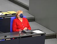 DEU, Deutschland, Germany, Berlin, 25.08.2021: Bundeskanzlerin Dr. Angela Merkel (CDU) während der Debatte zum Bundeswehreinsatz zur Evakuierung aus Afghanistan in der Plenarsitzung im Deutschen Bundestag.