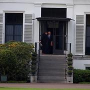 Doktoren van Prins Bernhard verlaten paleis Soestdijk