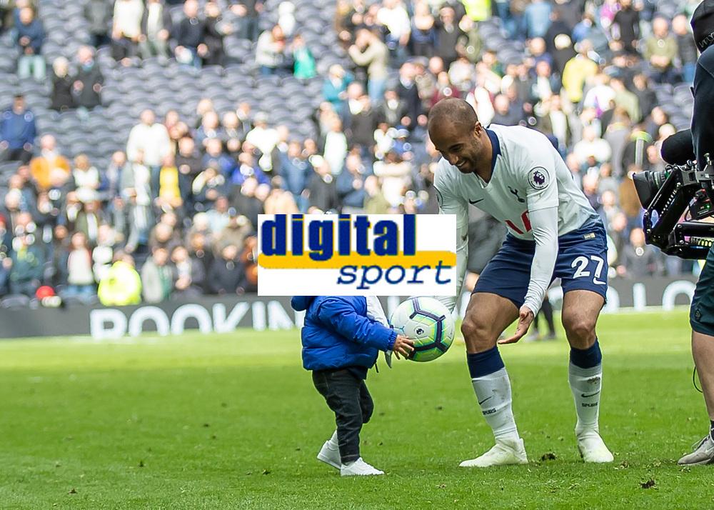 Football - 2018 / 2019 Premier League - Tottenham Hotspur vs. Huddersfield Town<br /> <br /> Lucas Moura (Tottenham FC) celebrates with son Miguel after scoring his hat trick at The Tottenham Hotspur Stadium.<br /> <br /> COLORSPORT/DANIEL BEARHAM